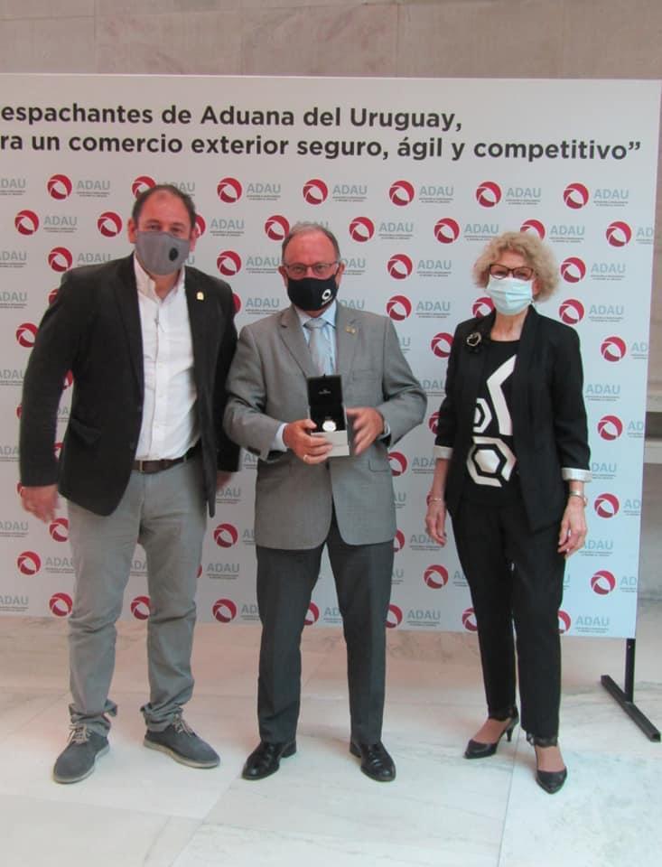 Mario Montemuiño galardonado por ADAU: